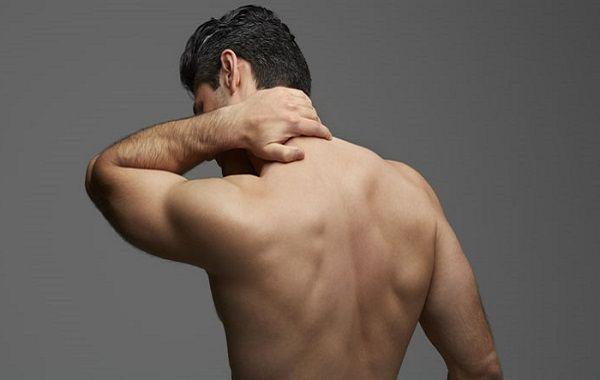 Прыщи на спине у мужчин